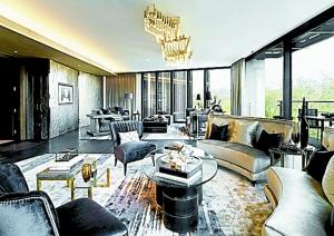 4亿英镑(约15亿元人民币)买下,这座两层高复式公寓也创下全球单元住宅