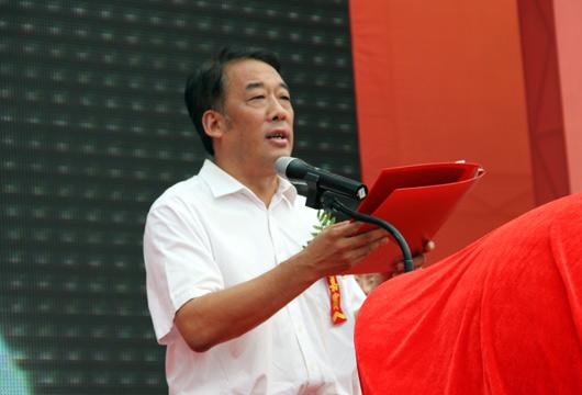 中共香河县委副书记、家具城工委书记 张显强