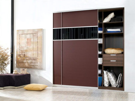 衣柜内部的空间结构设计,衣柜的摆放也会影响卧室的整体布局
