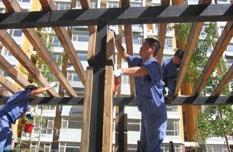 华中物业维修人员维护保养社区设备