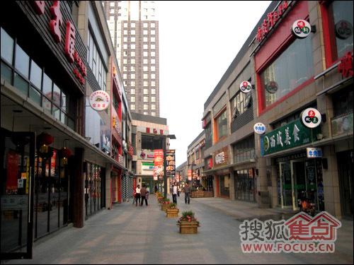 上海周浦万达广场美食街