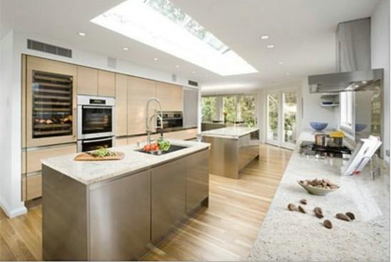 这间然色彩的美好大厨房,由arclinea设计,位于一座郊区别墅中,预算图片