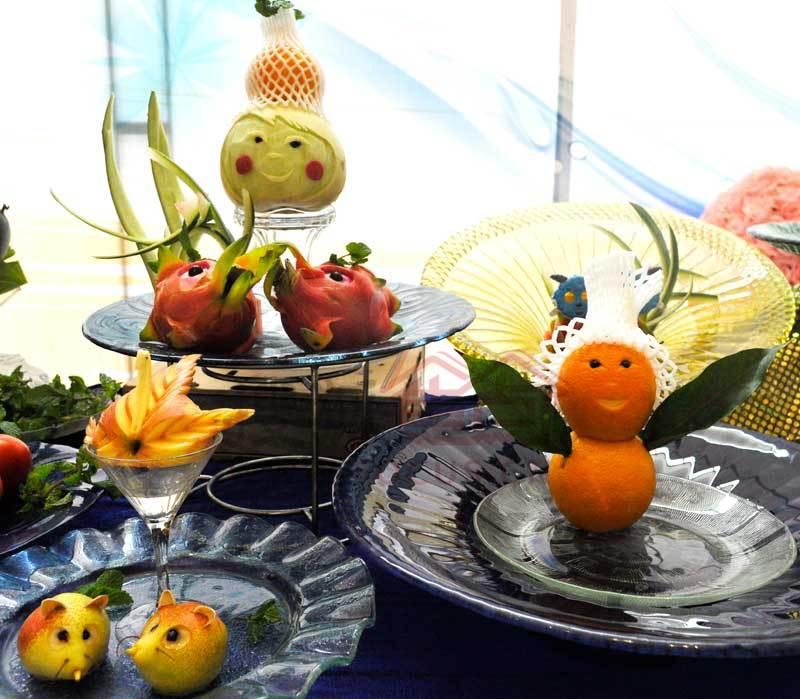 水果动物造型图片简单_用水果雕刻出的各种可爱动物造型