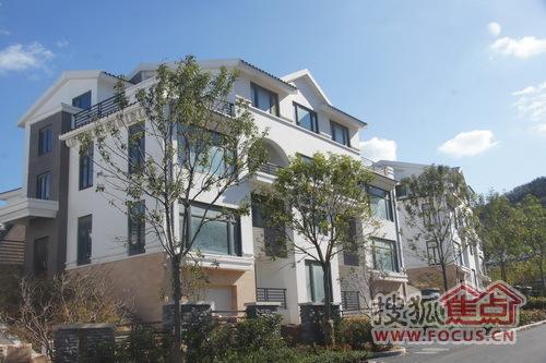 别墅泳池山海威海市君悦房地产开发建设,威海开发是由华府佛山集团图片