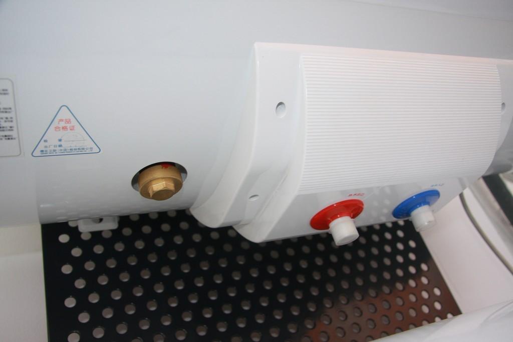 热水器排污口怎么用 电热水器排污口怎么弄 海尔电热水器排污口