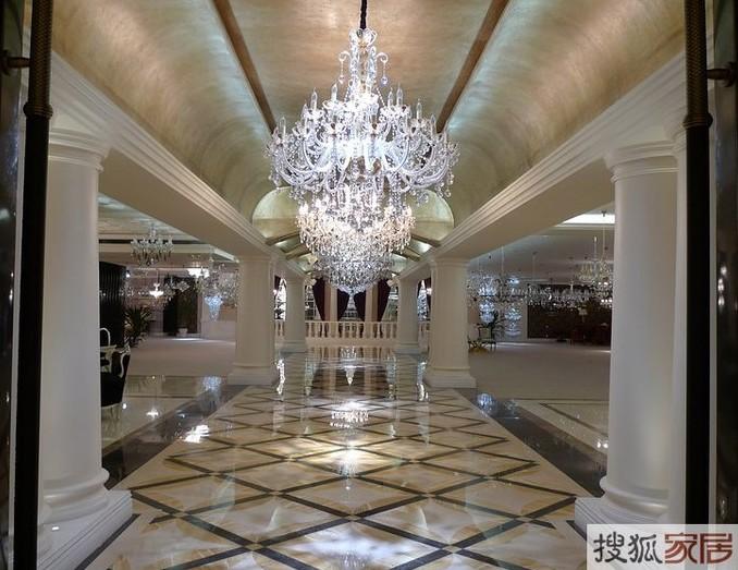 璀璨的灯饰水晶宫殿 欧式新古典的浪漫奢华图片