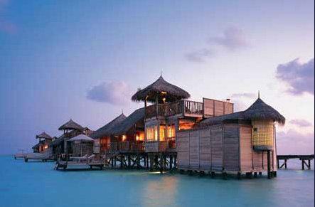 揭秘最奢华的荒岛酒店:以爱情之名 相伴一生