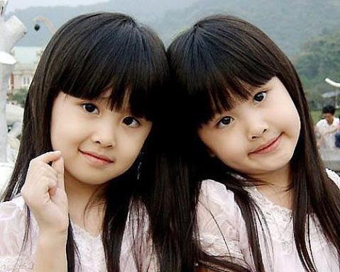 《盘点》超萌 超有星途的双胞胎姐妹花