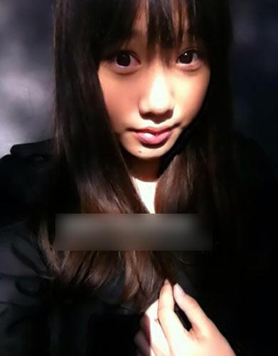 闫妮14岁女儿私房照曝光 清纯显萝莉范儿