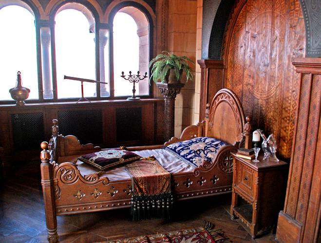 欧洲最完整的中世纪古堡图片