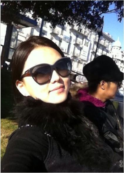 李湘王岳伦离婚了吗_李湘被离婚夫妻同面对 与王岳伦的甜蜜居家照(图)
