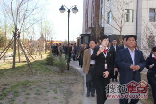 滨才城创新社会管理 呼兰区安全建设会议召开