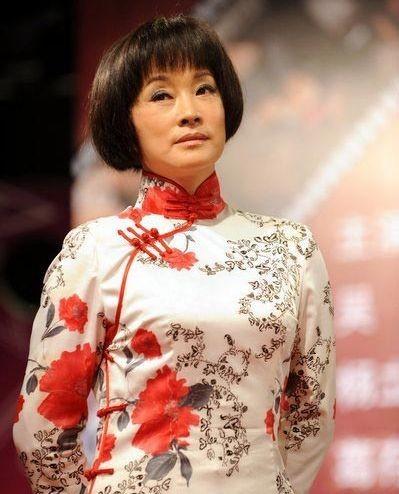 刘晓庆素颜照曝光 女神是谎言