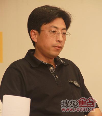 中国人民大学副教授褚峻
