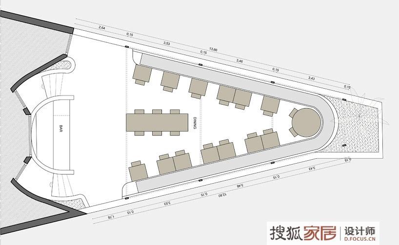 藤架屋顶的主要框架结构由局部墙体支撑,它们界定了就餐座位区.