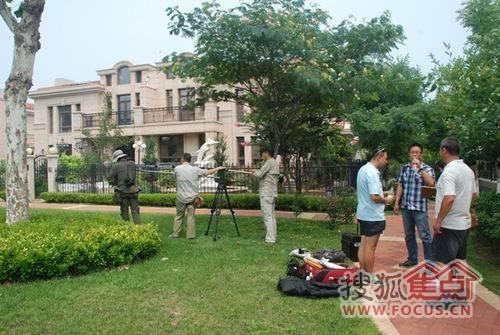 【烟】周江疆公益微候鸟21日在天马相城开拍别墅v公益电影图片