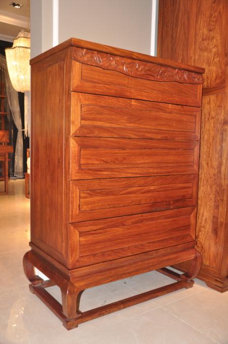 """柏森现代红木家具是用来居家生活的,以奢享生活为主调."""""""