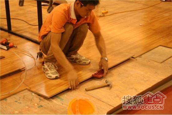 ��木地板已基本��O完��