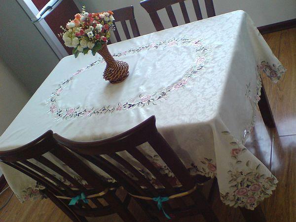 绣花家居布艺 以色彩温暖空间