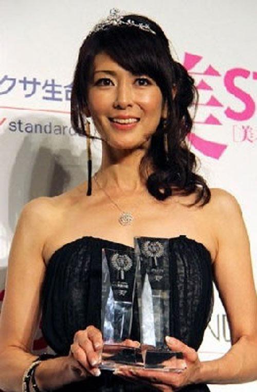 日本美魔女生活照 43岁大妈嫩颜如萝莉
