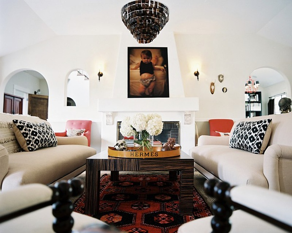 简练线条丰富色彩  温馨美式客厅设计