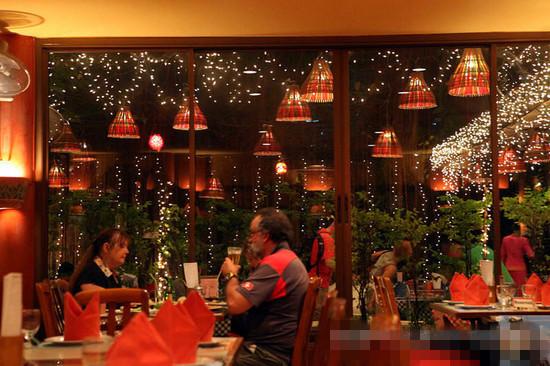 泰国安全套餐厅_大白菜与安全套餐厅_大象安全套