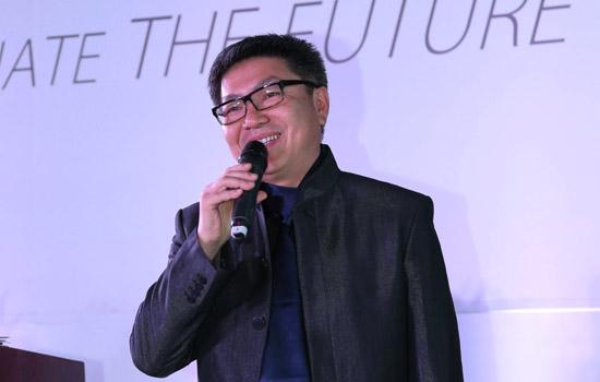国际室内设计师梁建国是集美组的创始人之一,多年来与中国经济的