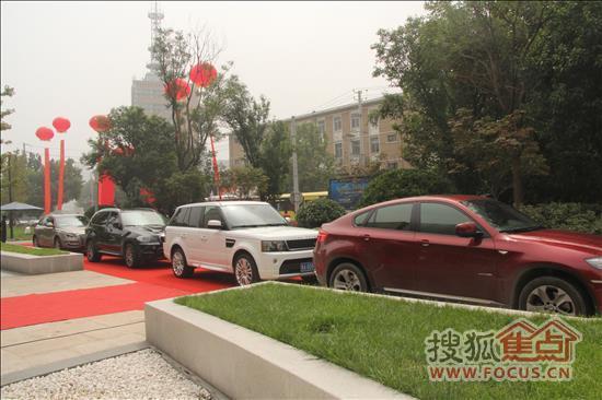 标志着济南城市制高点由此刷新,随即以三星集团,工商银行为代表的进驻