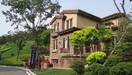 满族文化村,盛京国际高尔夫俱乐部等,雄踞棋盘山麓的沈阳碧桂园全苑区