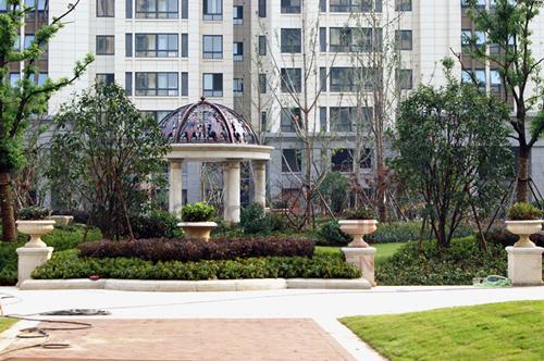 皇家欧式迎宾喷泉,中央主题景观带,几何草坪,景观连廊,上百个艺术小品图片