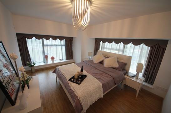 背景墙 房间 家居 酒店 设计 卧室 卧室装修 现代 装修 547_363图片