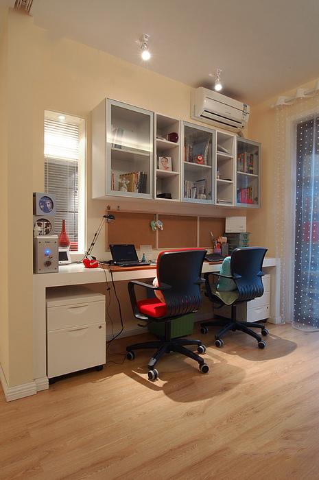 客厅改书房 90平现代简约风格2室2厅(图)