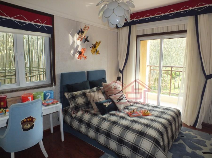 小朋友的房间充满温暖的气息 高清图片