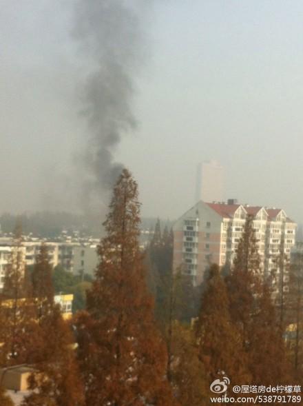 南京突发 白下区大清河一居民楼突然失火