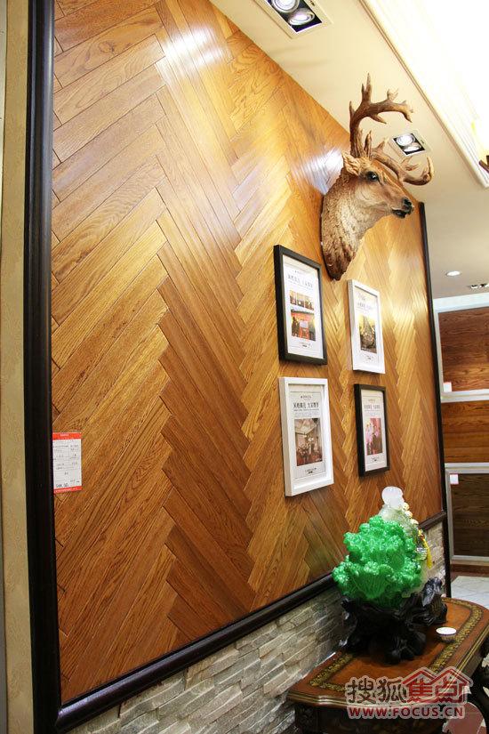 材性和用途:木材坚硬,结构细腻,强度高,耐磨,耐腐,稳定性好,耐冲击