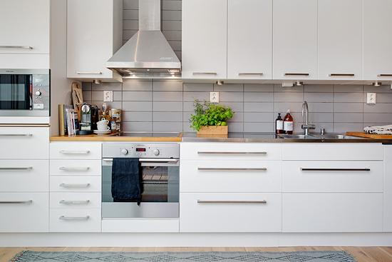 变换墙体创造空间 90平简约单身公寓(组图)