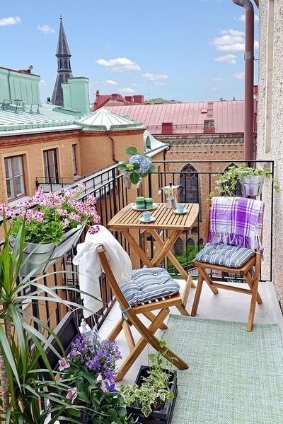 最美阳台 沏一壶茶在绿植包围中享受阳光