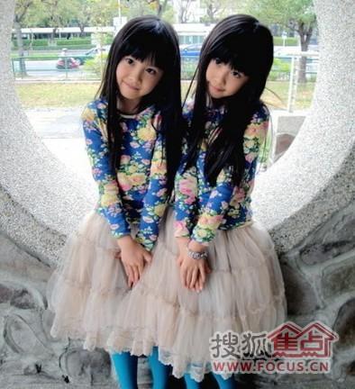 ...   走红网络被称为   和   七年前三岁的台湾孪生小姐妹