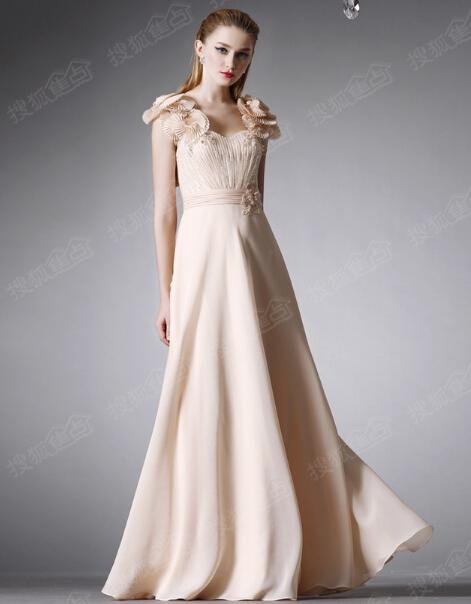 时尚晚礼服款式欣赏 简约唯美做自己