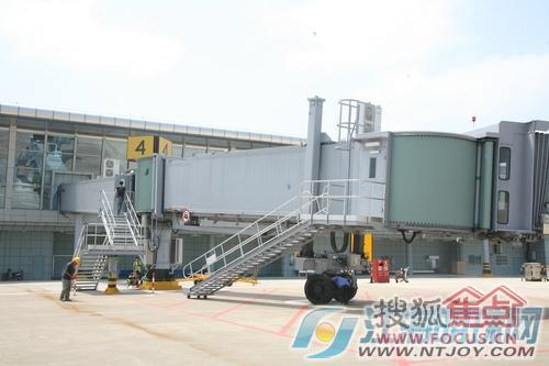 兴东机场2号航站楼今起正式试运行 南通机场告别没有廊桥的历史