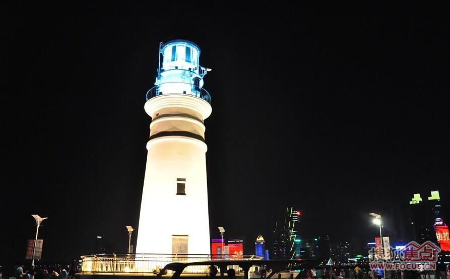 青岛三大灯塔争艳 奥帆小白夜色抢镜