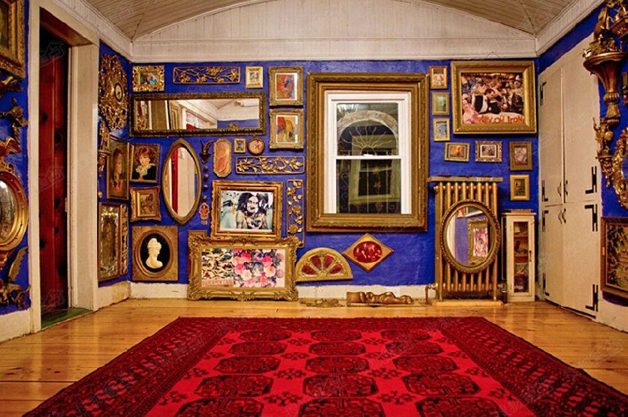 美国艺术家手工描绘森林木屋 五彩斑斓如童话城堡