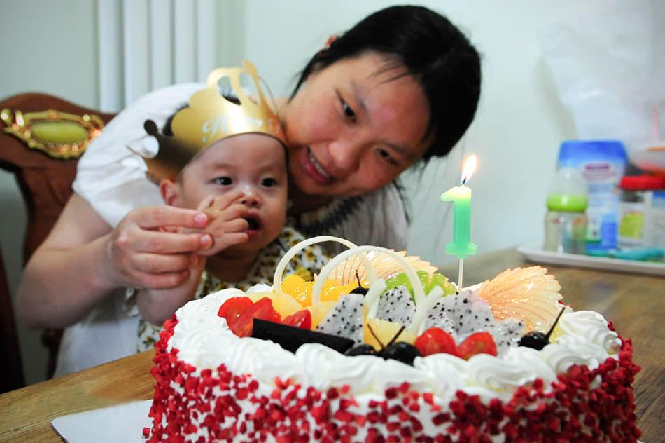 庞贝宝宝创造奇迹 平安度过一周岁生日
