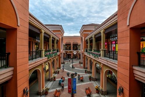 山东首家燕莎奥特莱斯落户黄岛 打造超级购物中心高清图片