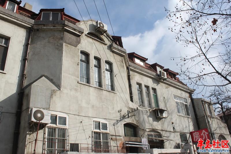 青岛街头的德国老建筑图片