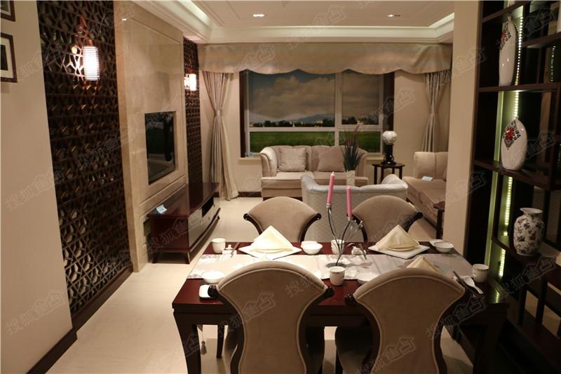 山海雅居两室两厅样板间高清图片