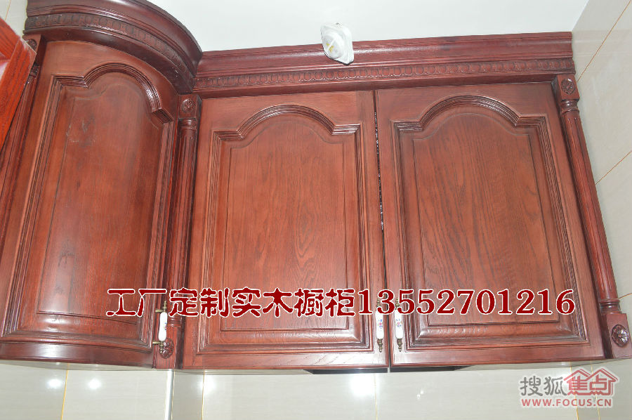 4800元/延米,纯红橡实木橱柜,赠送异型柜,顶线,罗马柱
