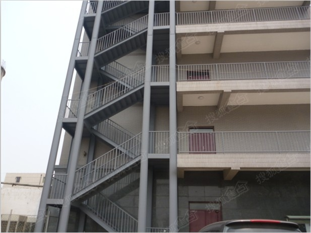 钢结构房屋别墅阁楼室内隔层商铺二层楼梯