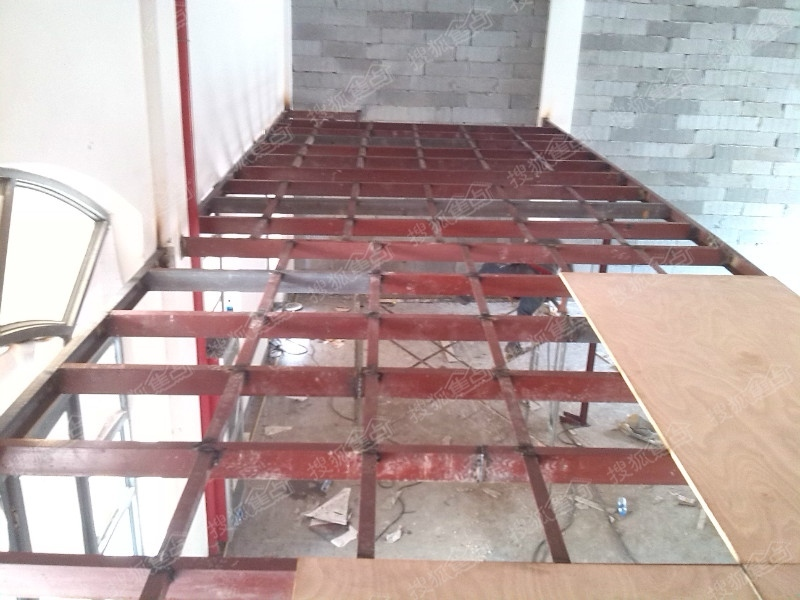 苏州惠诚钢结构阁楼,钢结构加层,钢结构楼梯,楼梯扶手