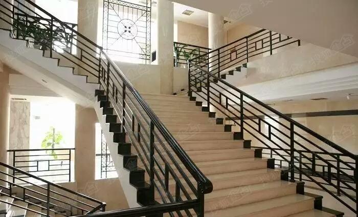 苏州惠诚钢结构阁楼,挑高楼加层,复试楼隔层,钢结构楼梯,楼梯扶手
